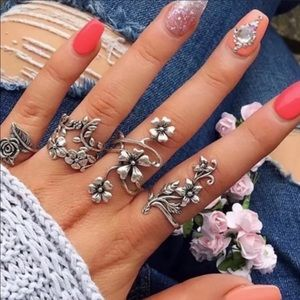 4 Piece Flower Boho Midi Ring Set